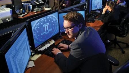 Edward Snowden neergezet als een asociale druiloor